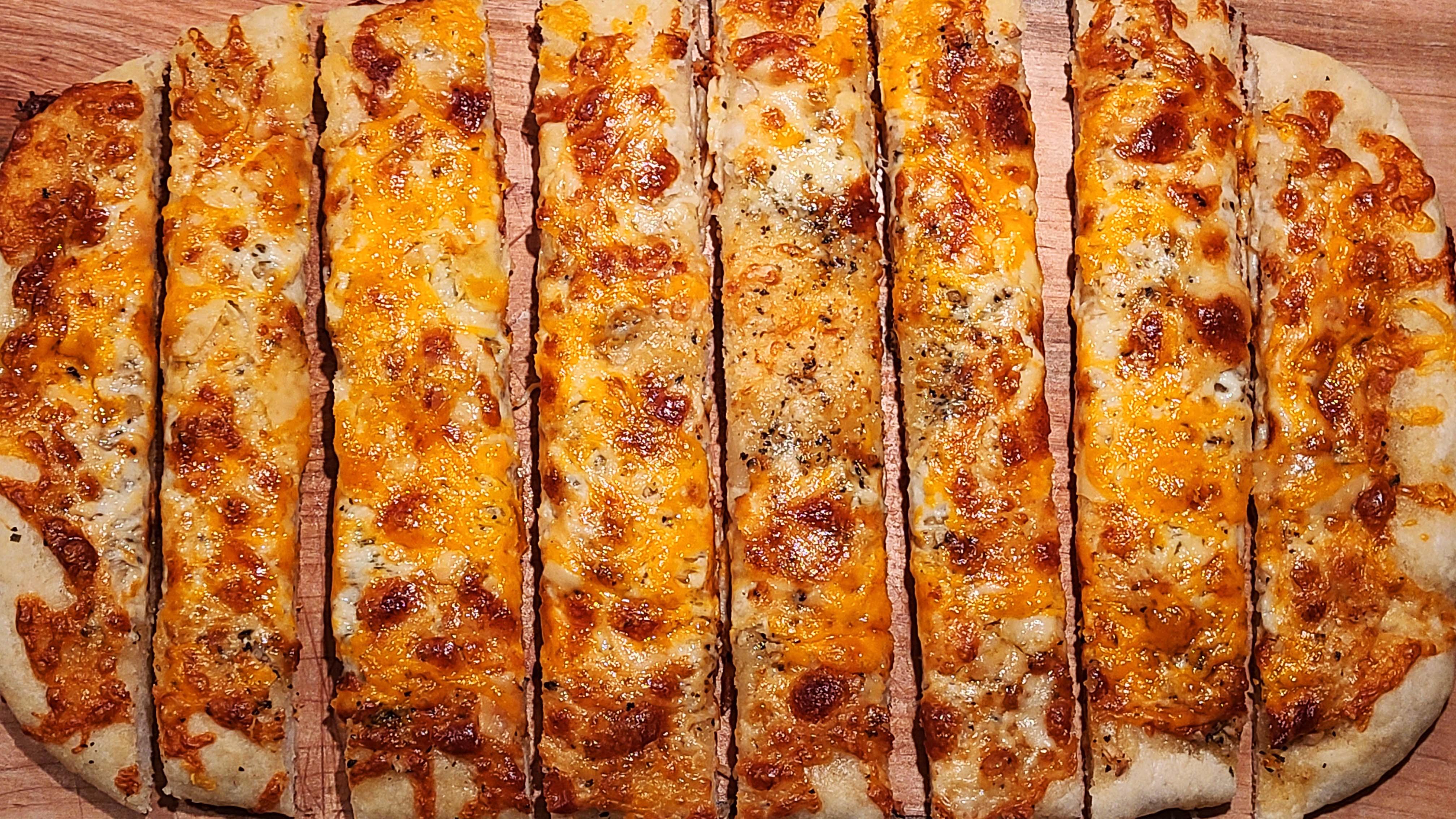Garlic 3-Cheese Breadsticks